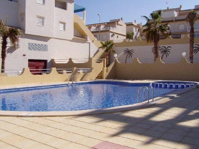 Gorgeous Apartment w/huge Sun Roof, nr beach, golf