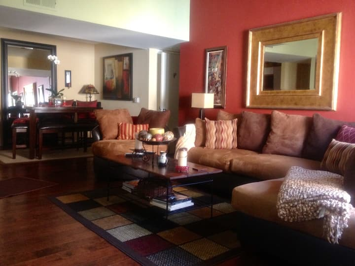 """LAVISH """"Home away from Home"""" LAX area! W/G.PARKING"""