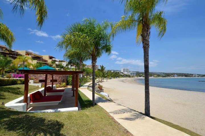 4 Bed 4 bath Beach House Punta Esmeralda sleeps 7