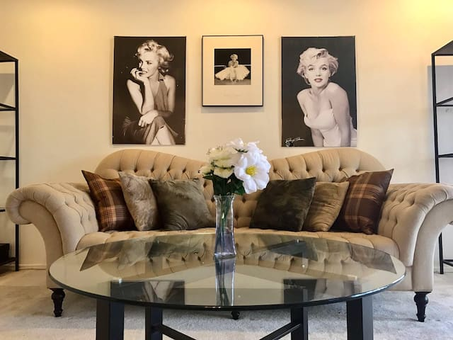 Beverly Hills. NO ADD CHARGES!!! - Beverly Hills - Apartamento