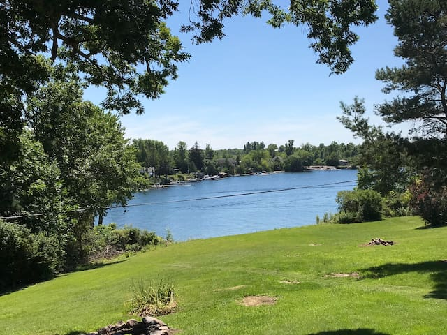 NEWEST Cottage Rental in the 1,000 Islands!