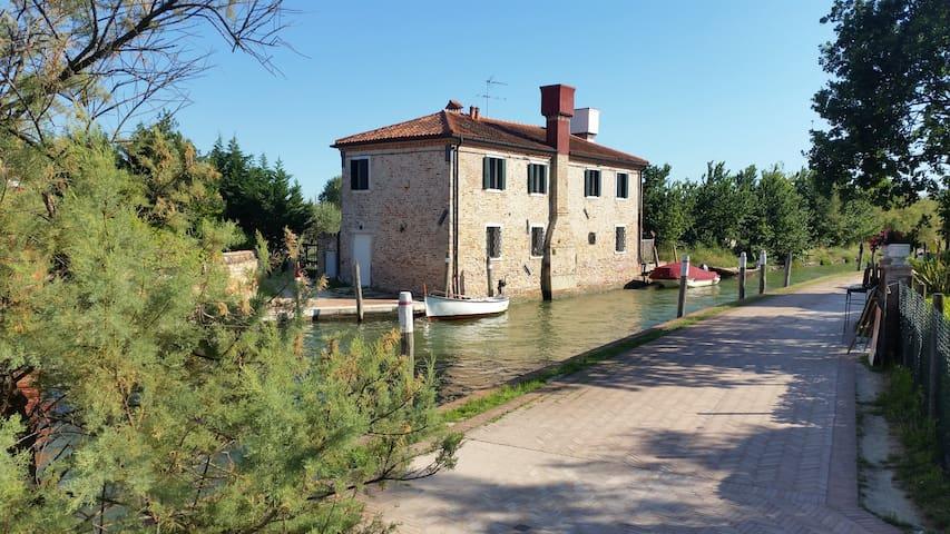 Venezia, casa con parco nell'isola di Torcello