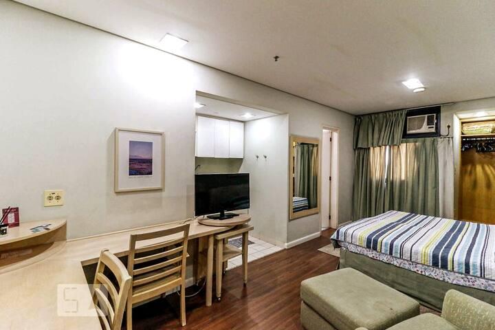 Apartamento flat - bancada wifi e ar condicionado