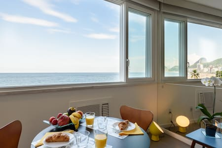 Copacabana Atlântica: sea front design flat
