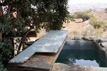 Artist eco-cabin in the Galilee - Geva Binyamin - กระท่อม