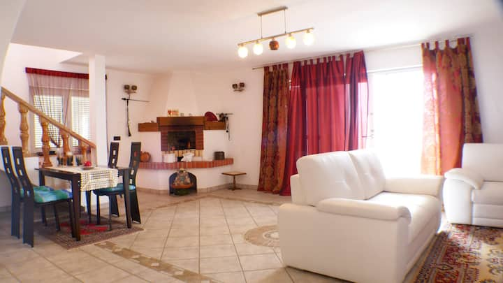 Gorgeous duplex in Mali Rat, 15km from Split!