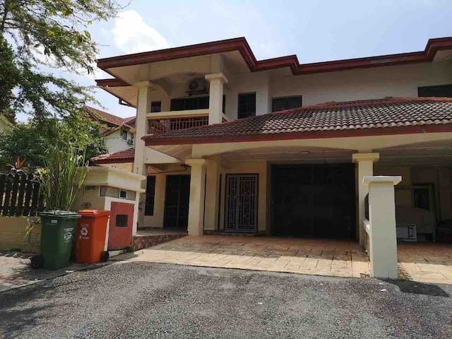 RS HOMESTAY
