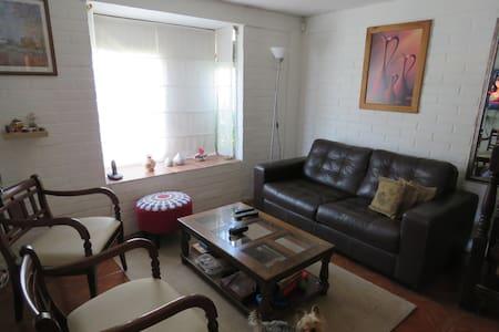 Alojamiento en casa de familia - Talagante - Bed & Breakfast