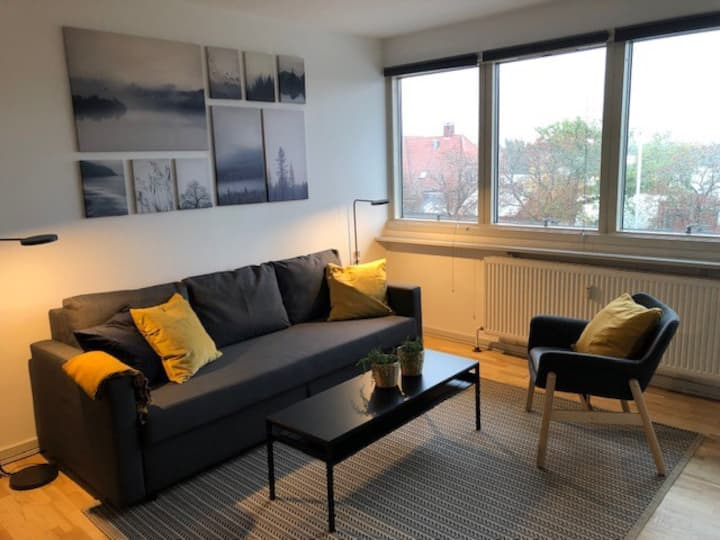 h70,2,2//2 bedroom apt in suburb to Cph, 6 beds,