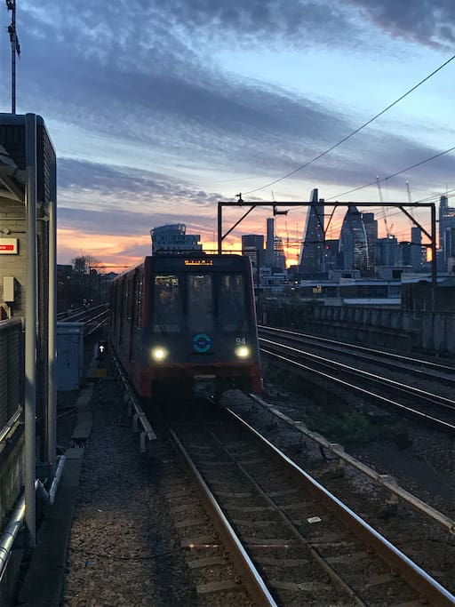 Shadwell DLR 10 min walk