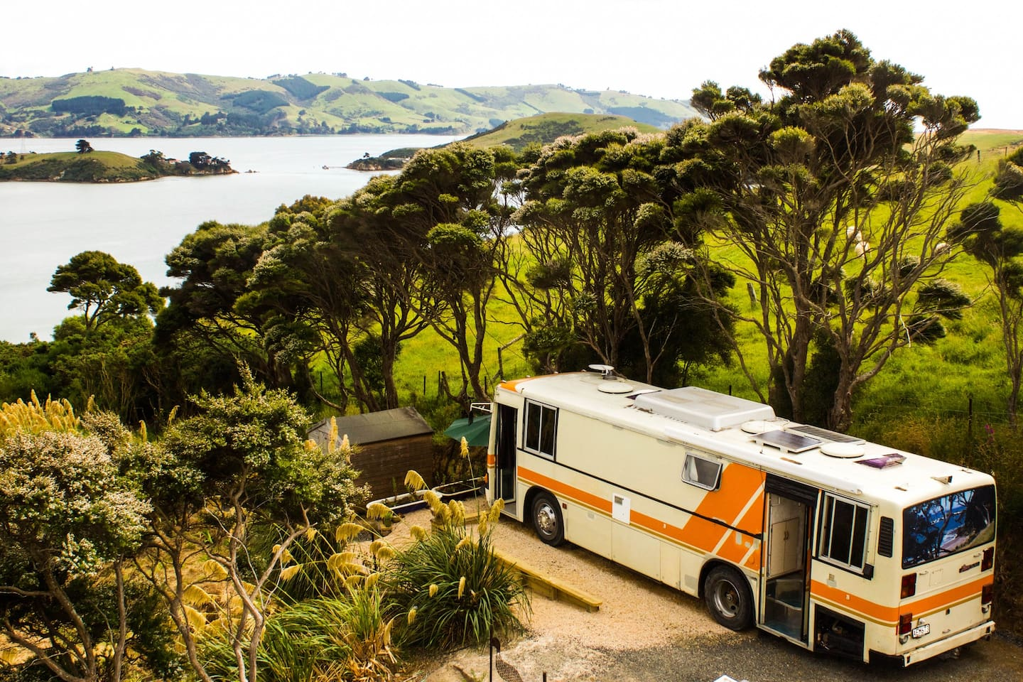 Panoramic views from the luxury bus in lovely peaceful surroundings