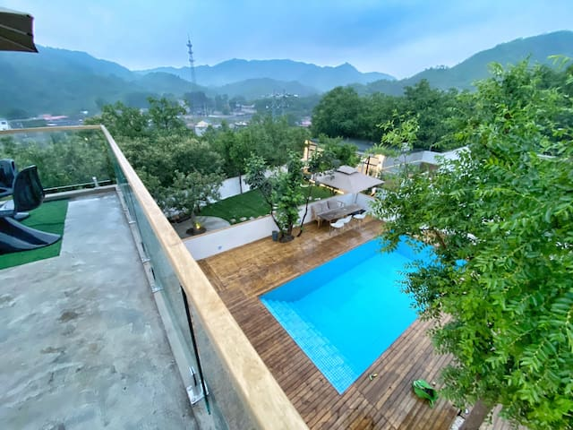 Brand New Pool Villa with direct Great Wall Views
