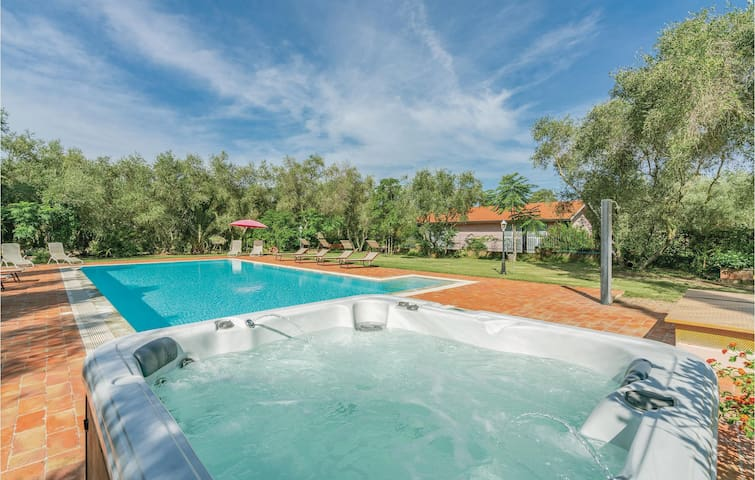Holiday apartment with 2 bedrooms on 56m² in Bagno di Gavorrano GR