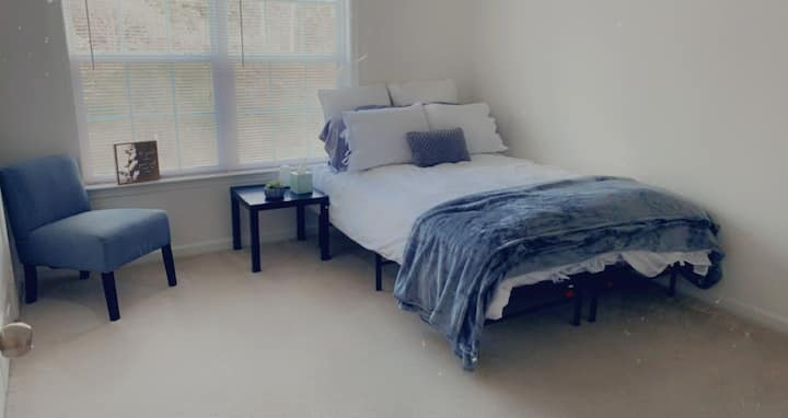 Quiet One Bedroom Near Wake Forest University