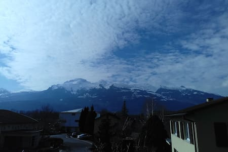 Central, mountain-view flat - Vaduz