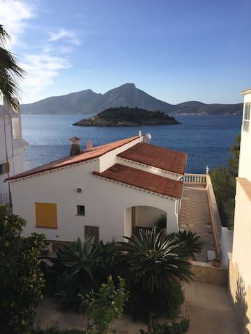 Mallorca - charming front line house Sant Elm - Andratx - Dům