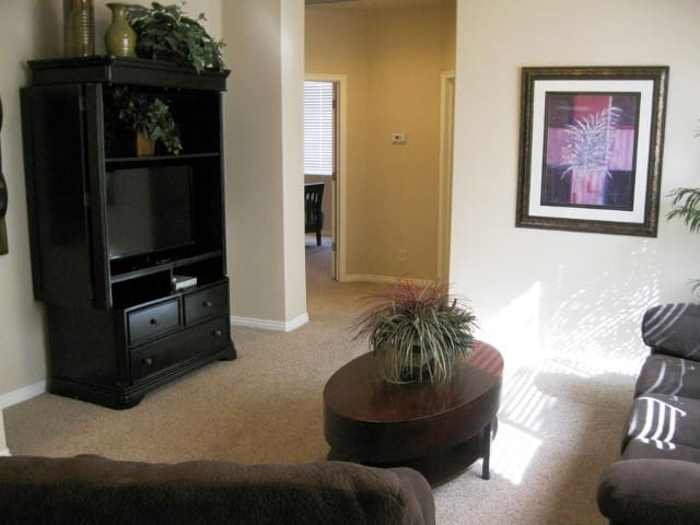 *NO GUEST SERVICE FEE* 2 Bedroom condo in Mesquite #354