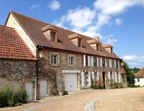 Large house of character overlooking the Creuse