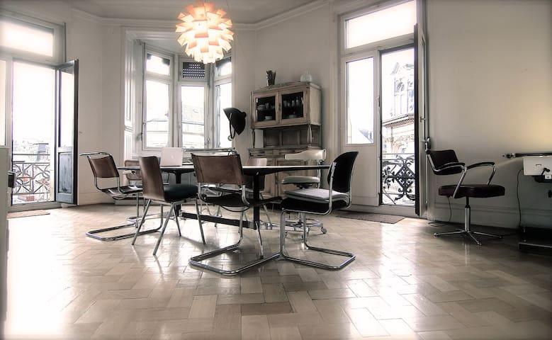 Hauptquartier in Wiesbaden