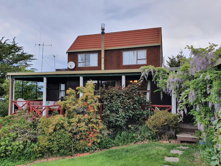 Sunny, spacious and central with views over Naseby