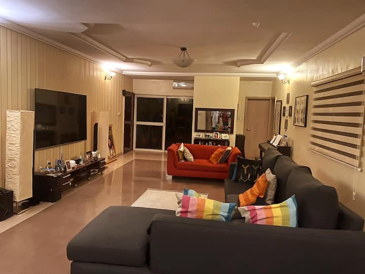 Cozy Private Room in Luxury Apartment in Asokoro