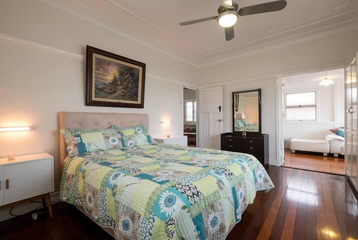 Beautiful Modern Inner City Home - East Brisbane - House