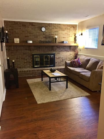Great Apt close to highway! N INDY - Indianapolis - Apartament