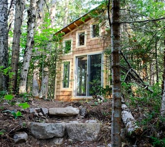 Rixen Creek Mini Cottage - $50/night - Nelson - Cabin