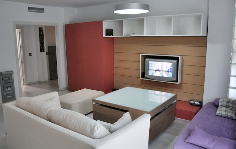 Centro estaci n wifi parking apartments for rent in for Sofa ideal cordoba