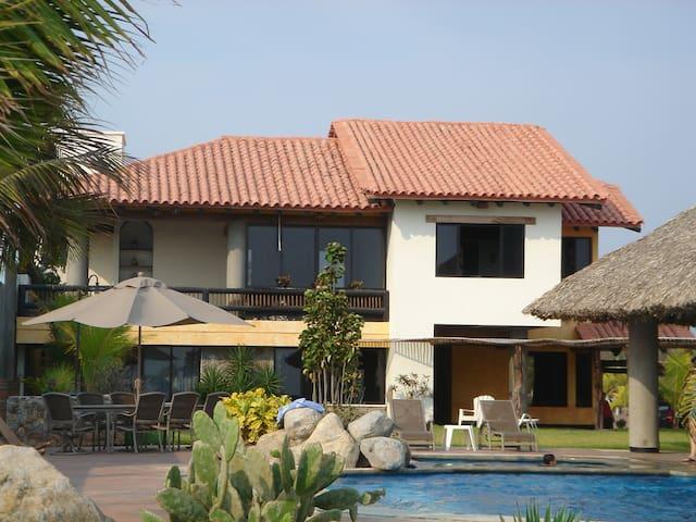 Casa de Playa en Chiapas, México