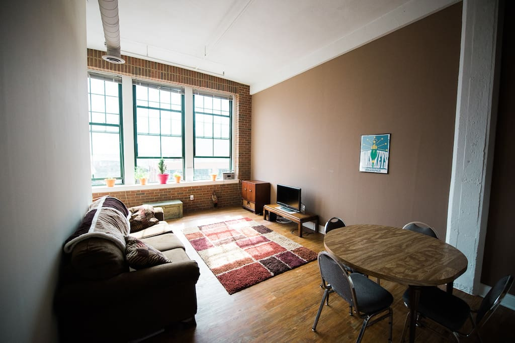 Loft Room Across From Fieldhouse Apartments For Rent In Indianapolis Indiana United States