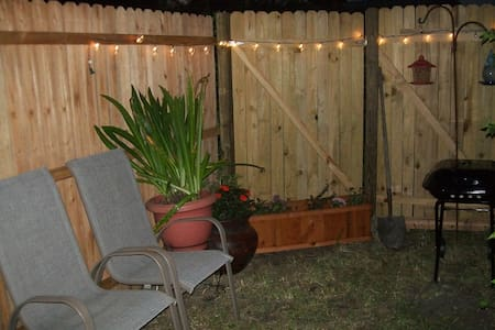 LGBT friendly stay. - Titusville - Apartment