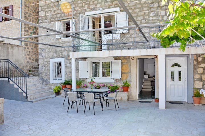 Stone house Dragutinovic - Orahovac - Appartement