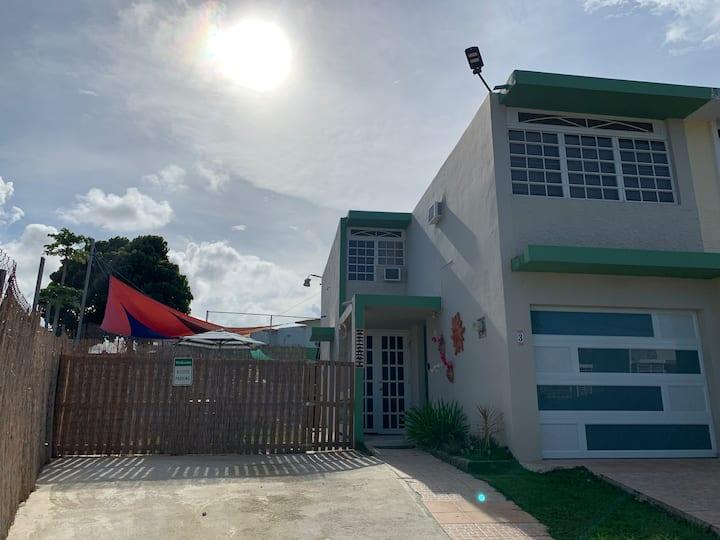 La Casa Feliz en Ceiba, PR.  (A min. Del Ferry)