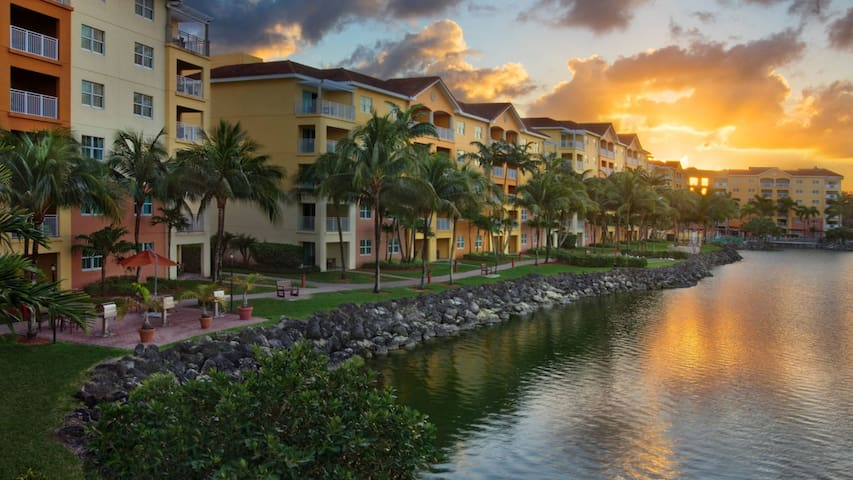 Marriott Villas at Doral 2BD sleeps 8