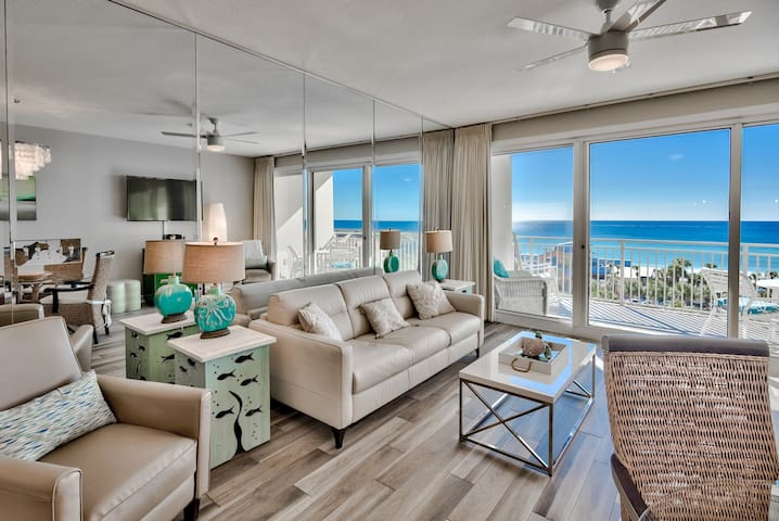 Gorgeous contemporary furnishings, with an incredible view of the Gulf.