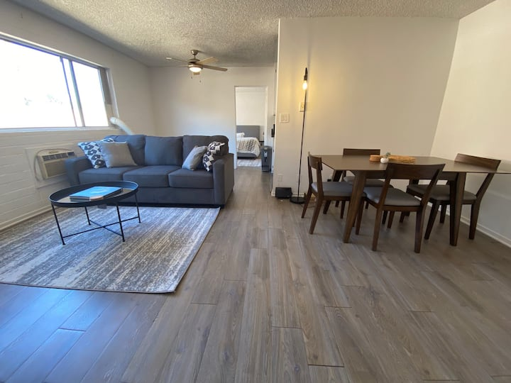 2 bed 2 bath apartment in the heart of Hollywood