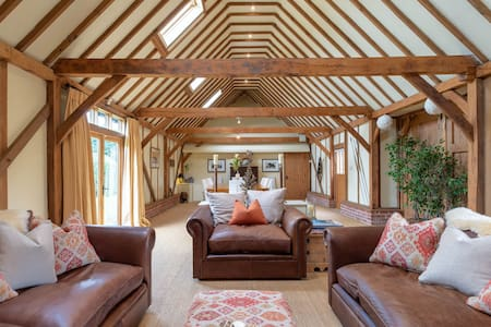 Spacious Suffolk Barn in Ixworth Thorpe