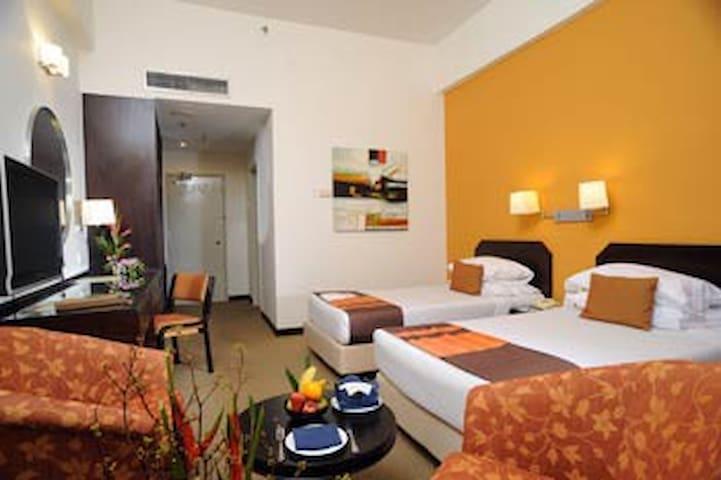 Deluxe Twin @ RHR Hotel Uniten - Kajang - Bed & Breakfast