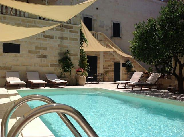 Palazzo Umberto winery 1700 Puglia Villa with pool