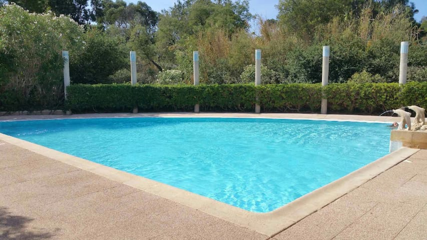 Appart Rdc 2P jardin terrasse piscine bord de mer