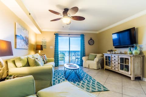 **Beautiful Ocean view Condo/ sleeps 6***