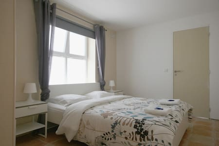 Double room with bathroom - Peniche