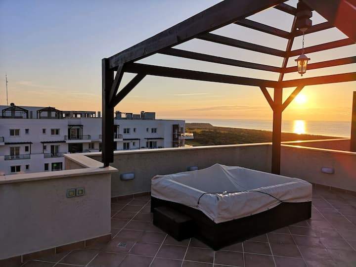 Thalassa Beach penthouse including private jacuzzi
