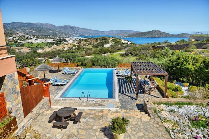 Glan y Mor Villa with a private swimming pool - Schisma Elountas - Villa