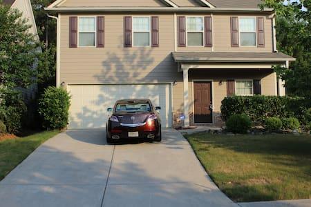 Mi-casa (5) 3 Bedrooms 2.5 Baths Douglasville Home - Douglasville - Casa