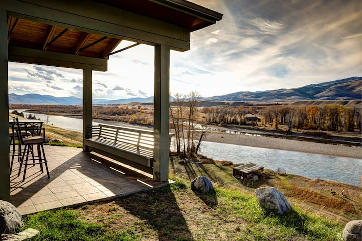 Yellowstone Riverfront Home with Spectacular Views