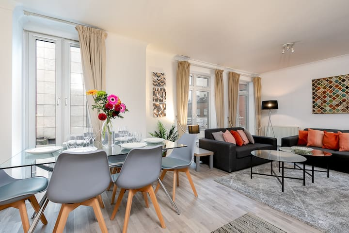 Theatreland 3bed 2bath Glorious Covent Garden pad