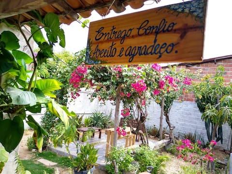 Suite em Aracati em linda casa com jardim