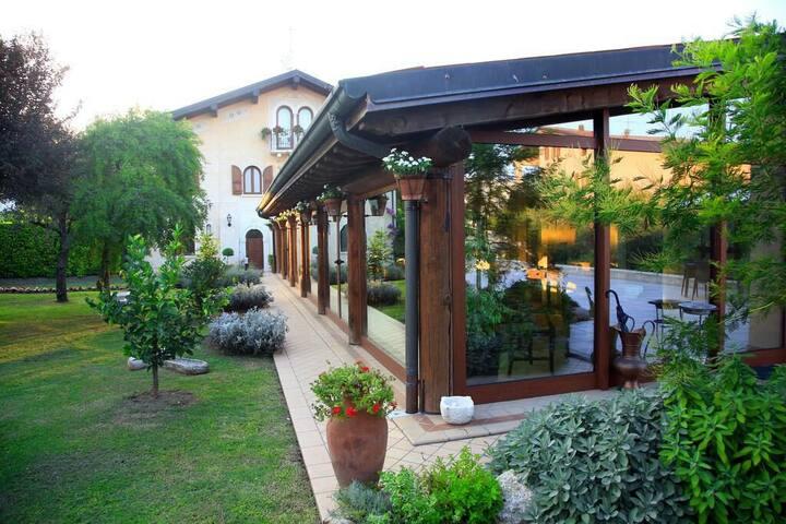 FAMIGLIA (12km dal Lago di Garda) - Prevalle - Bed & Breakfast
